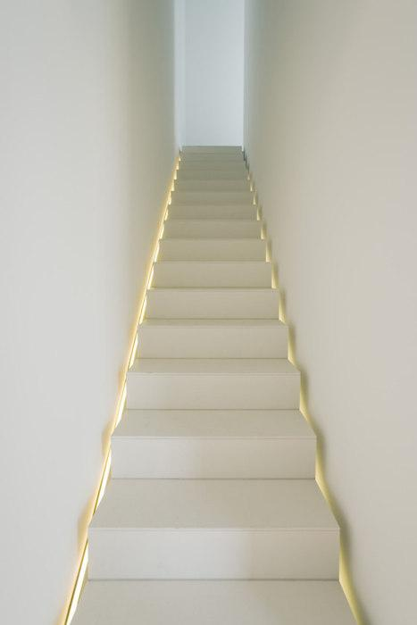 Iluminaci n escalera paperblog - Iluminacion escaleras interiores ...