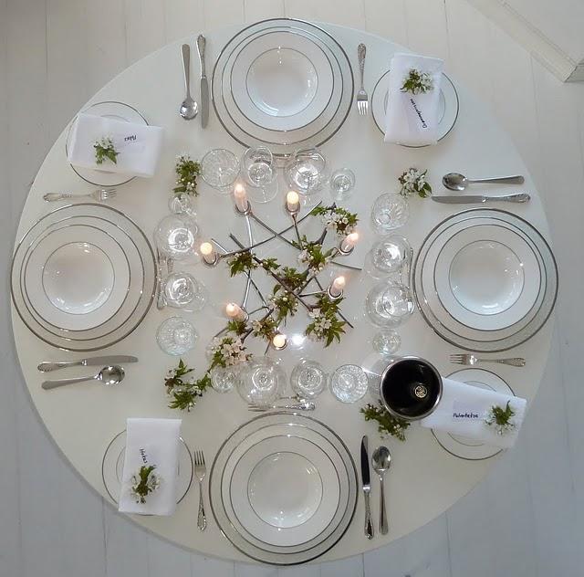 10 mesas de comedor listas para sentarse a comer paperblog for Mesas de comer