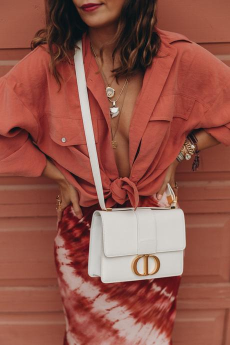 Sara of Collage Vintage wearing the new Dior 30 Montaigne bag
