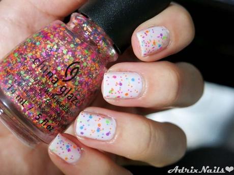 diseños de uñas naturales con puntos