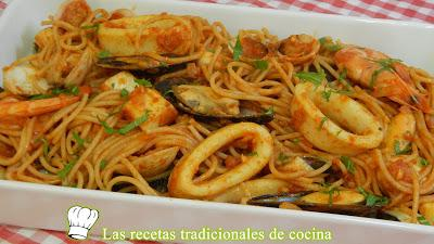 Cómo hacer unos deliciosos espaguetis integrales con frutos del mar