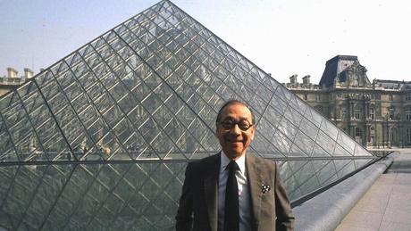 Arquitectura contemporánea de prestigio: La Pirámide del Louvre.