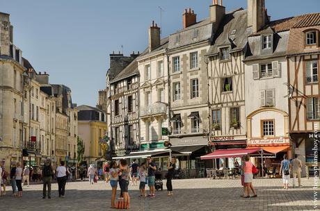 Poitiers viaje Francia turismo roadtrip