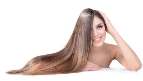 Pelo liso o rizado: ¿qué determina la forma de tu cabello?