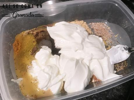 Pierna de cordero con yogur y cúrcuma