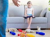 Enseña hijo organizar juguetes