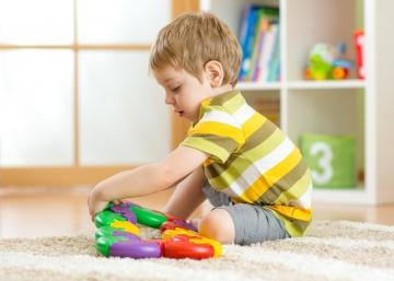 Enseña a tu hijo a organizar sus juguetes