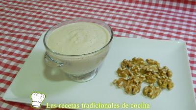 Receta fácil de salsa de nueces para pastas y carnes