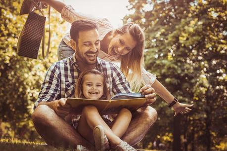 La educación aumenta la felicidad de los niños