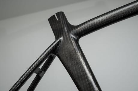 ¿Cómo se fabrican los cuadros de fibra de carbono?