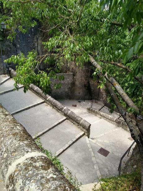 La bajada a las Angustias y el Arco de Jamete