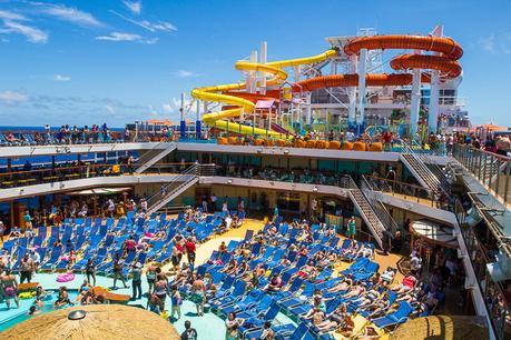 carnival-vista-water-slides ▷ Comenta en 7 mejores cruceros para niños por Caz