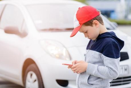 ¿A partir de qué edad es recomendable el móvil o celular para los niños?