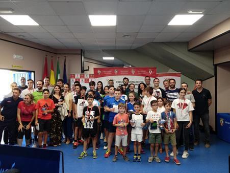 Entregados los trofeos del XIX Torneo Local de Tenis