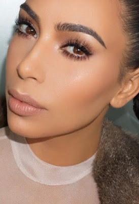 Cómo se maquilla Kim Kardashian