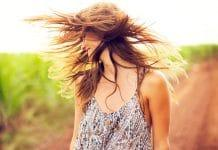 Usar aceite de oliva puede ayudar a proteger el cabello de daño