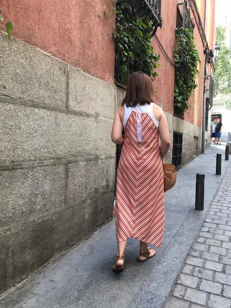 SUMMER DRESS.-
