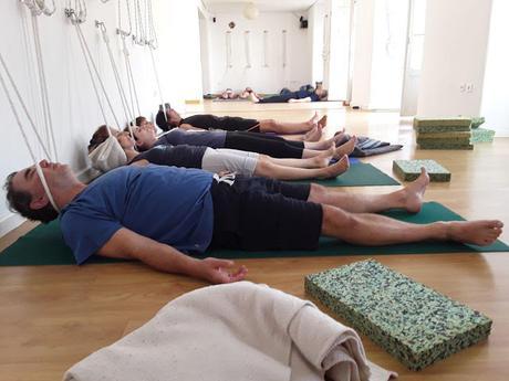 Summer Yoga / Yoga en Verano. YogaSala Málaga. Power & Relax.  Energía y Relajación.