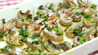 Receta fácil de champiñones al ajillo con pimentón rojo