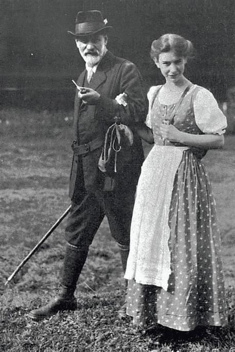 Sigmund y Ana Freud