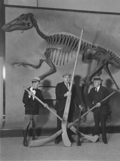 El Archidiácono y los Dinosaurios (Eden Phillpotts) (Presentación)