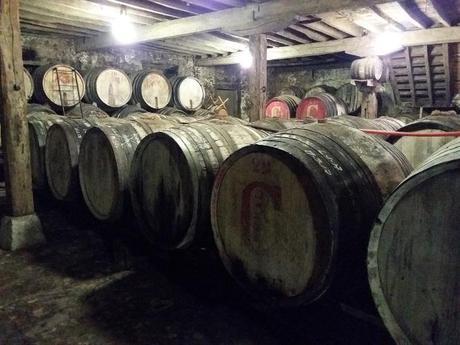 Bodega en Treceño,una de las más antigua de Cantabria, con cubas que datan de 1860.