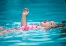 El ahogamiento en seco puede ocurrir muchas horas después de que una persona inhala agua de una piscina u otro cuerpo de agua
