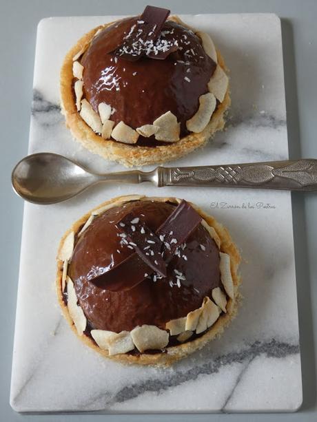 Semifrío de Coco y Glaseado espejo de Cacao