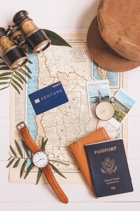 Capital-One-Flat-Lay-Galapagos-1500 ▷ Cómo usar los puntos de tarjeta de crédito para volar a Sudamérica