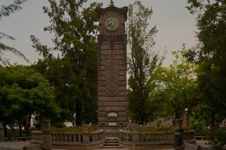 El centenario reloj del Jardín Colón