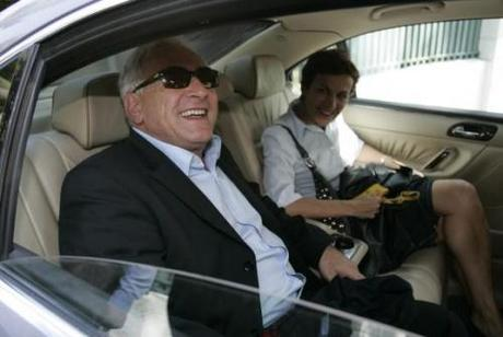 http://chingadanews.files.wordpress.com/2011/05/strauss-kahn-riding.jpg