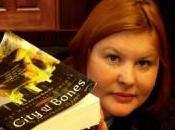 Ciudad ángeles caídos, Cassandra Clare Crítica literaria