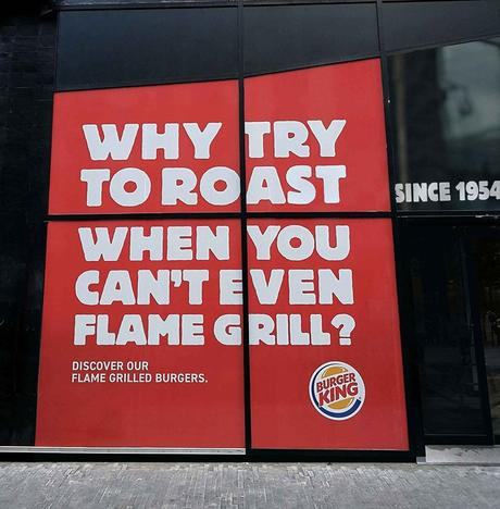 "La divertida ""batalla publicitaria"" de McDonald's y Burger King en las calles de Bélgica"