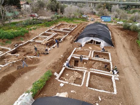 YACIMIENTO EN ISRAEL DE 9.000 AÑOS DE ANTIGÜEDAD
