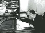 1930:José Cossío trabajando biblioteca Casona Tudanca