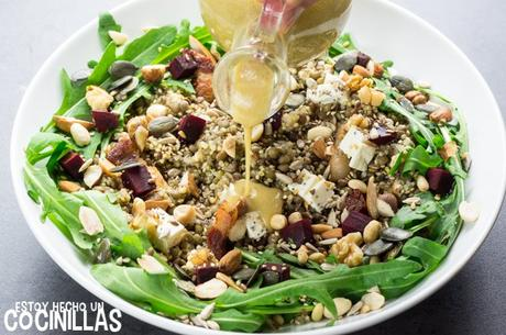 Receta de vinagreta de tahini para ensaladas