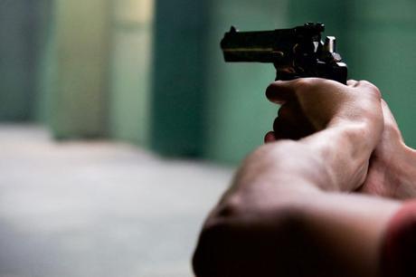 El «efecto de las armas»: su capacidad para generar agresividad en las personas