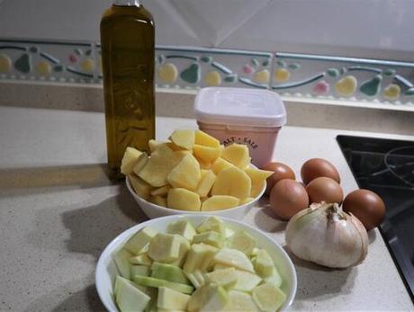 Ingredientes tortilla patatas con calabacín en Olla GM