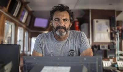 """Óscar Camps: """"Si salvo una vida, que me multen y que me embarguen todo mi capital""""."""