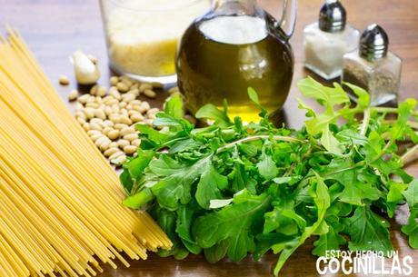 Receta de espaguetis al pesto de rúcula