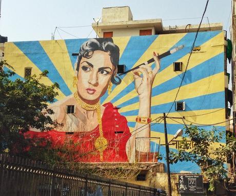 Delhi-mural-Shapurjat ▷ Viajes femeninos en solitario en la India: ¿es seguro?