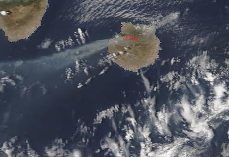 España: imagen satélite del humo del incendio en Gran Canaria (18-08-2019)