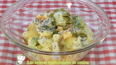 Cómo hacer un desayuno saludable, completo y delicioso con frutas y yogurt