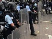 Hong Kong, violentos disturbios callejeros.