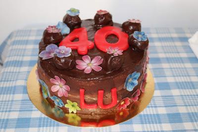 Tarta chocolate, rellena de nata vegetal