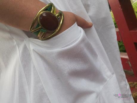 look tallas grandes con vestido blanco midi lino primark con botones marrones camiseta blanca zapato plano marron outfit curvy primavera verano accesorios