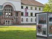 Visitando Museos. Museo Alemán Cuero Offenbach Alemania