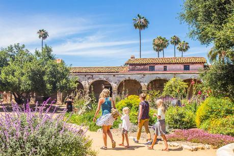 mission-san-juan-capistrano-4 ▷ Comente sobre 30 lugares increíbles para visitar en California para su lista de deseos de California en 9 de las mejores playas de California