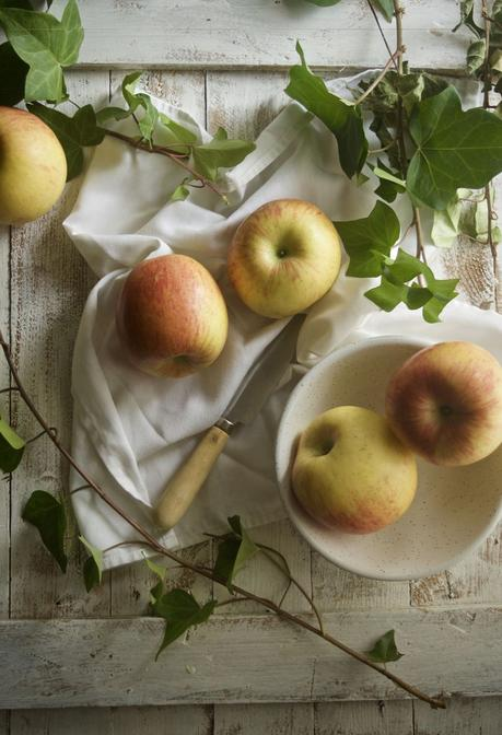Bizcocho rústico de manzanas y nueces {#cocinarte, Salvador Dalí y la ventana}