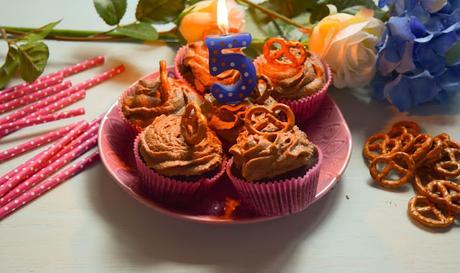 Cupcakes Veganos de Chocolate y Pretzels